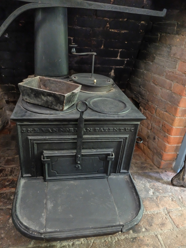 cast iron stoves