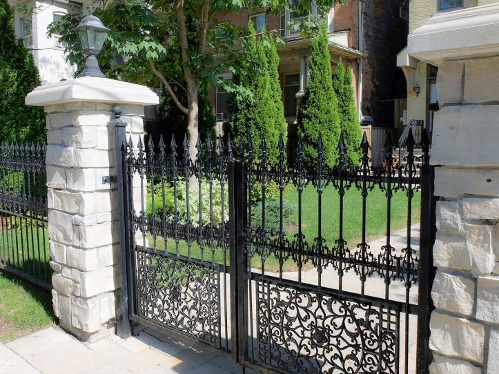 heritage-gate2