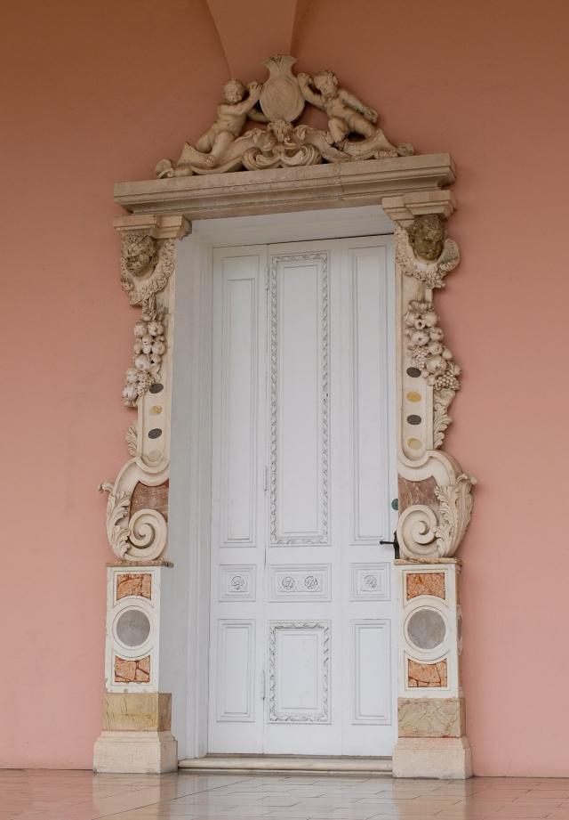 ringling-door9