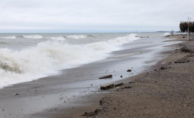 Kew Beach waves 2
